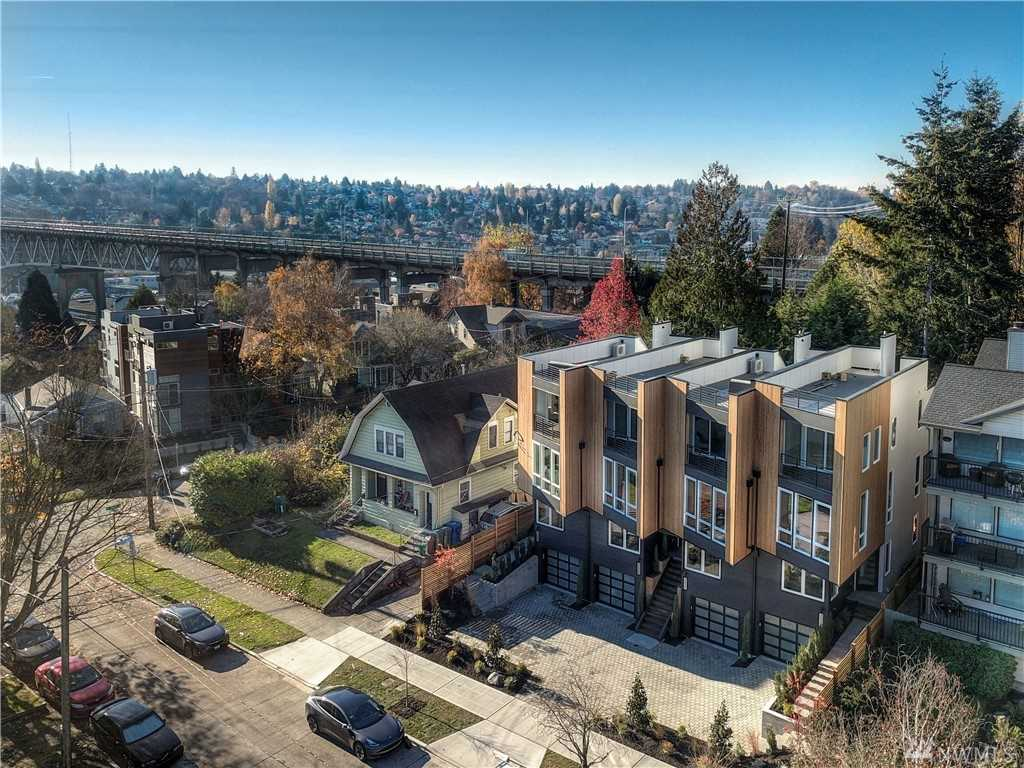 3613 Whitman Ave N Seattle, WA 98103 | MLS ® 1396825 Photo 1