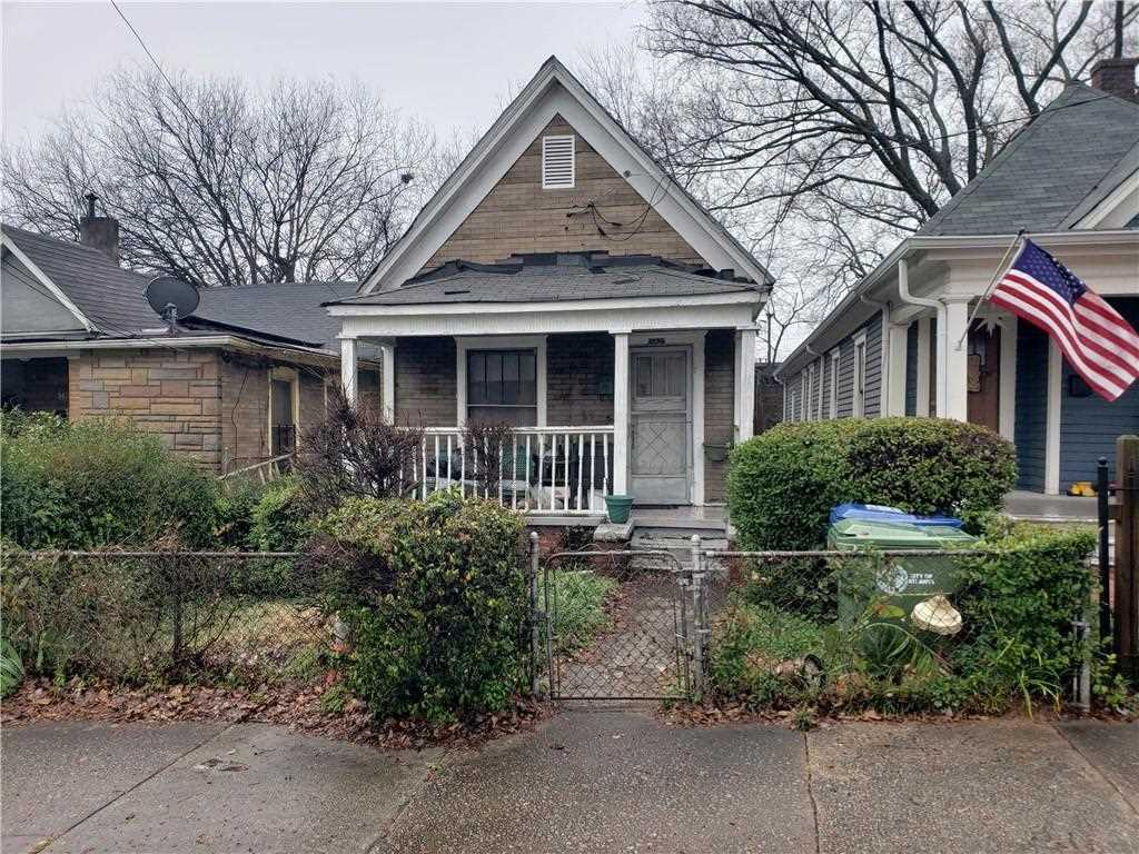 142 Howell St NE is a homes for sale located in the Old Fourth Ward community of Atlanta Photo 1