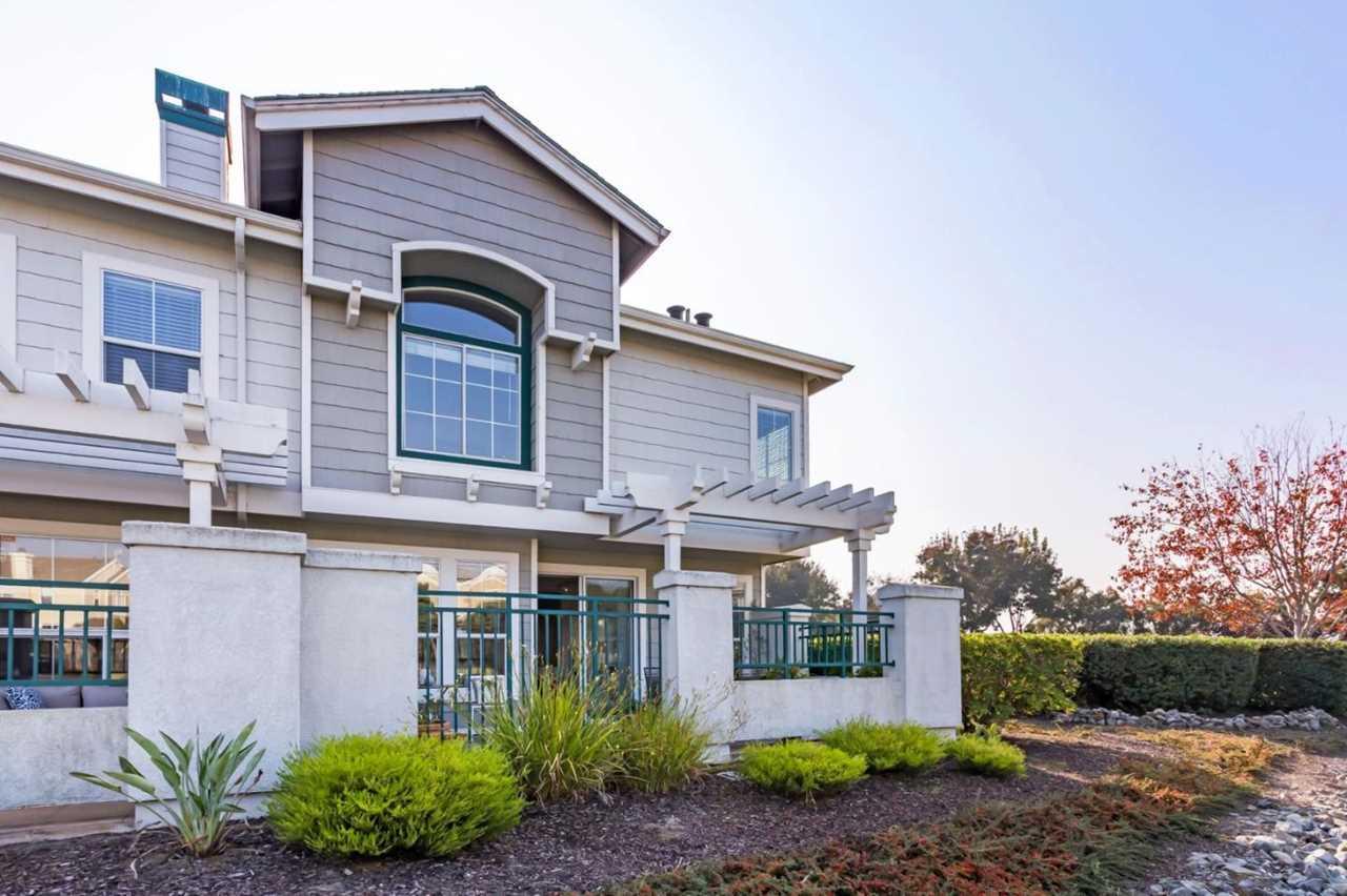 501 Shoal Cir Redwood Shores, CA 94065 | MLS ML81731391 Photo 1