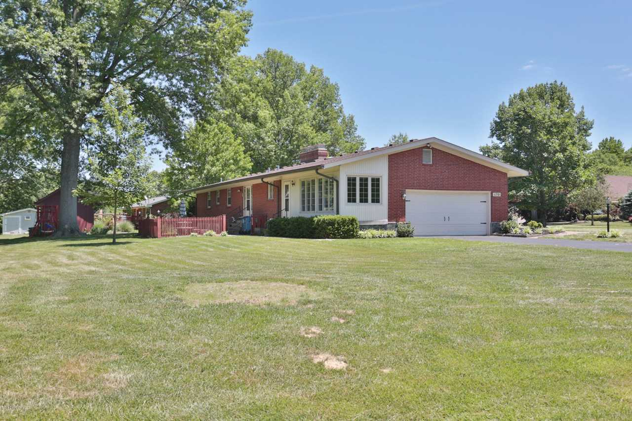 11701 E Arbor Dr Anchorage, KY 40223 | MLS 1505202 Photo 1
