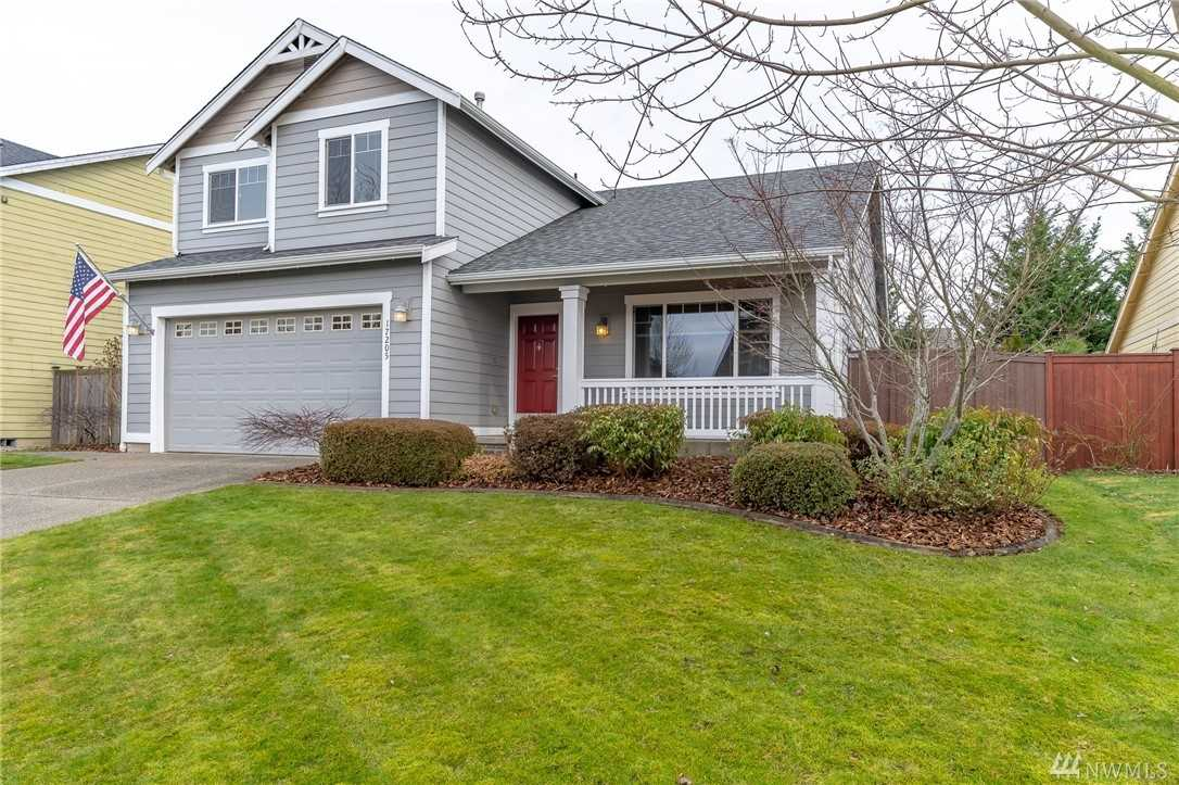 17205 139th Av Ct E Puyallup, WA 98374 | MLS ® 1400322 Photo 1