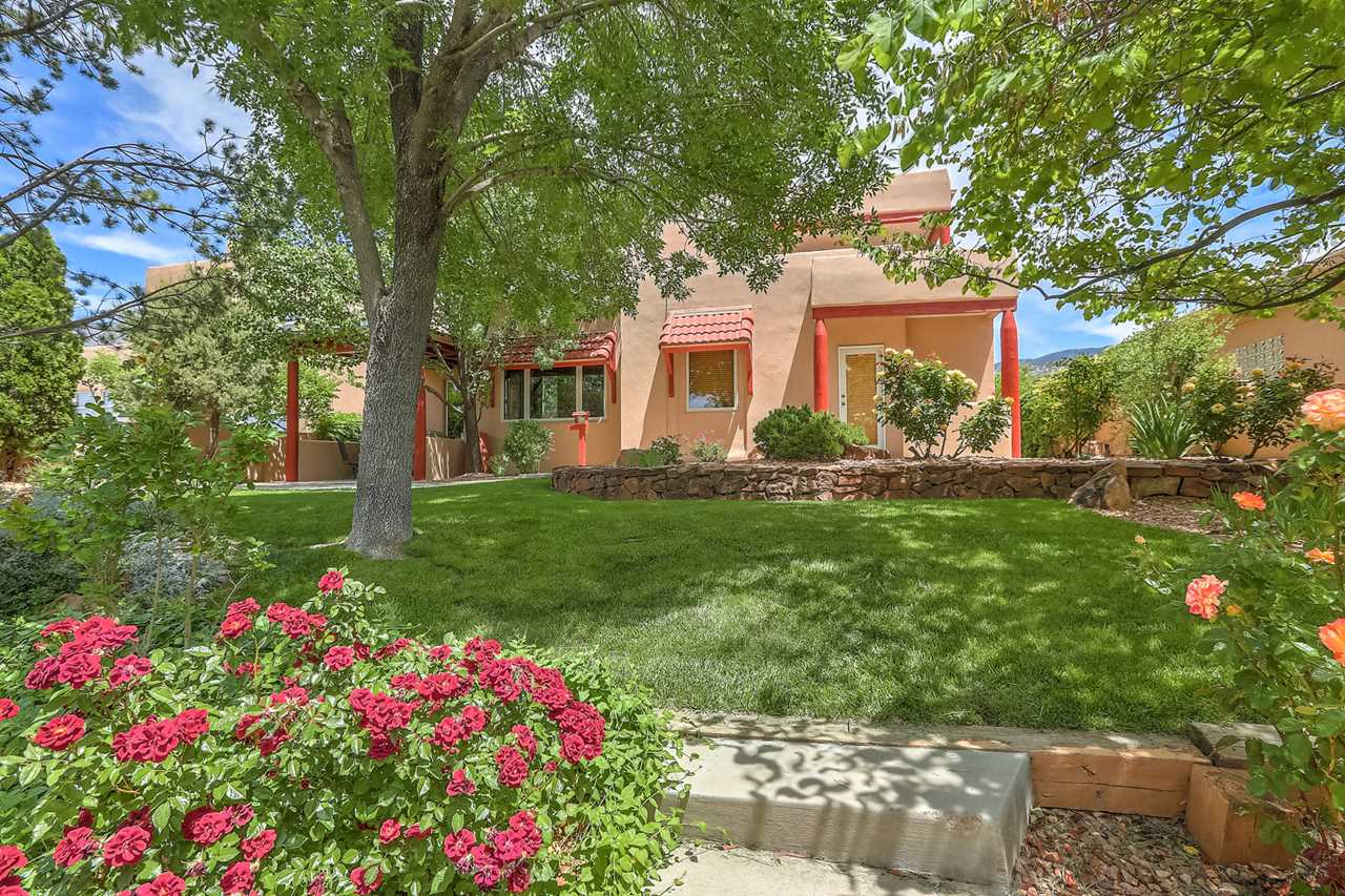 Home For Sale At 6201 Abiquiu Place Ne In Albuquerque Nm 87111 Desert Skyhigh Desert Un 01
