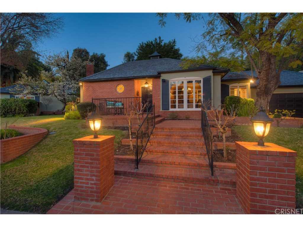 4132 Hayvenhurst Drive, Encino, CA 91436 | MLS #SR19031142  Photo 1