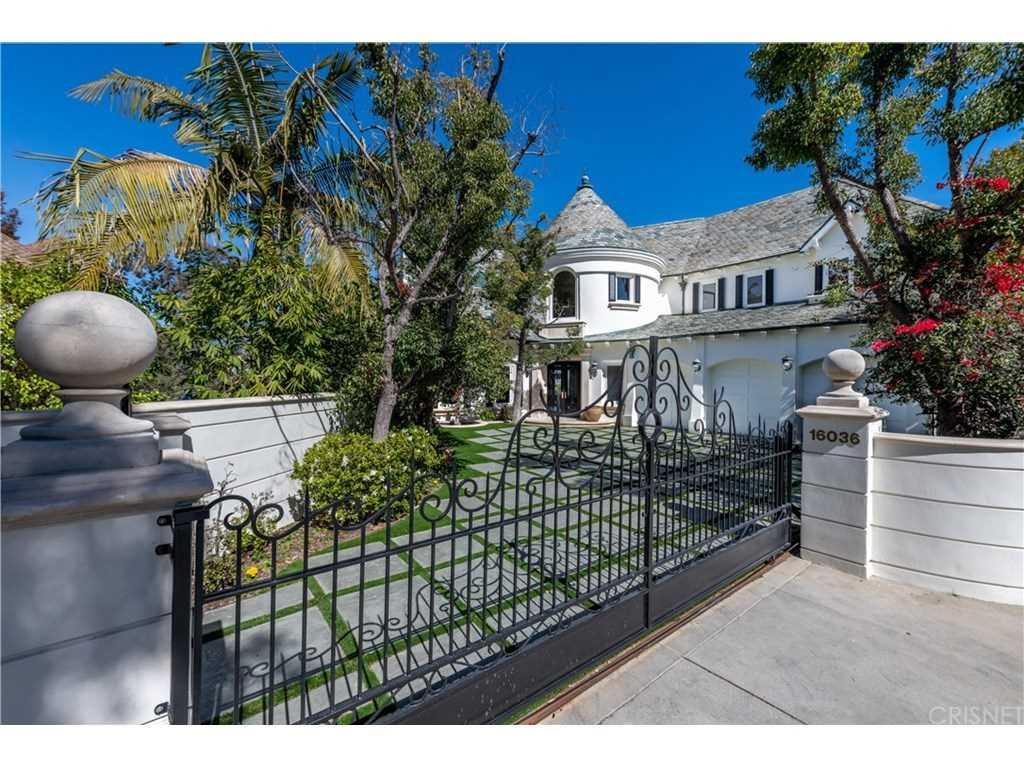 16036 Valley Meadow Place, Encino, CA 91436 | MLS #SR19041661  Photo 1