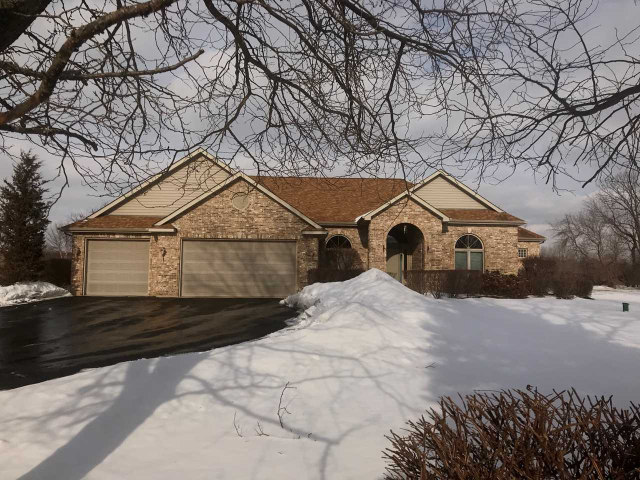3106 Vail Dr Spring Grove, IL 60081 | MLS 10292830 Photo 1
