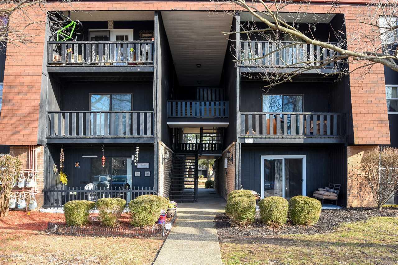 3507 Lodge Ln #214 Louisville, KY 40218 | MLS 1524184 Photo 1