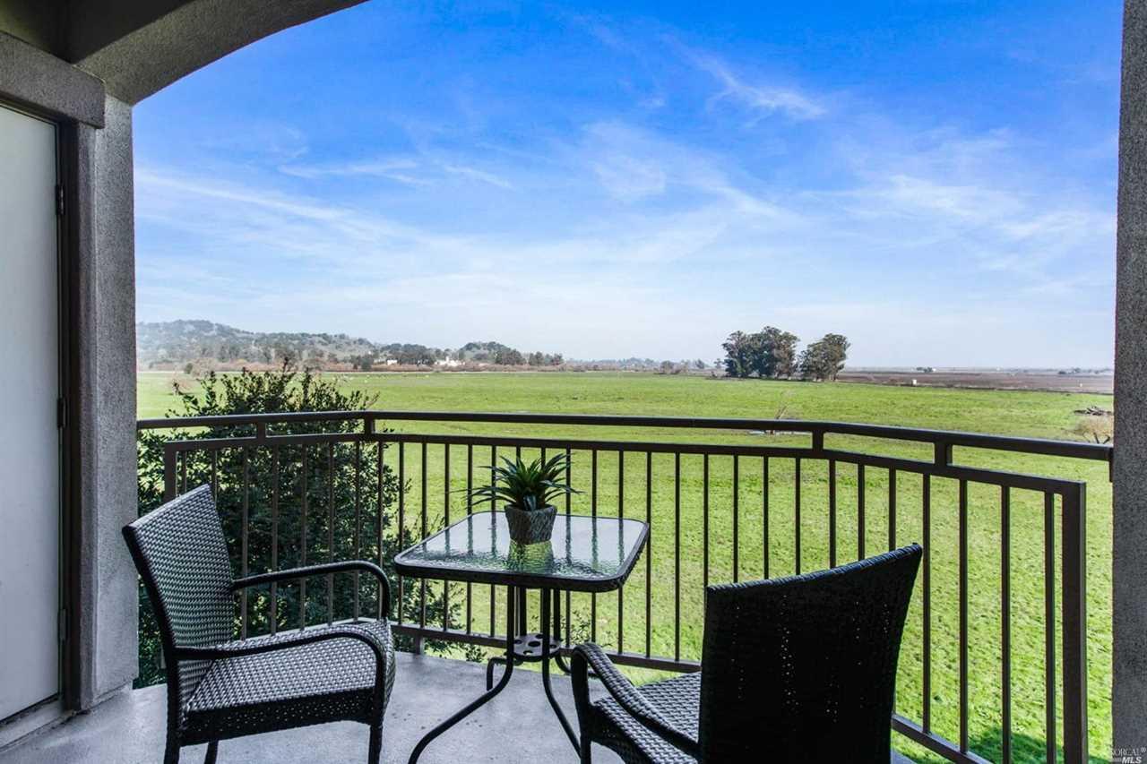 200 North Avenue San Rafael, CA 94903 | MLS 21900554 Photo 1