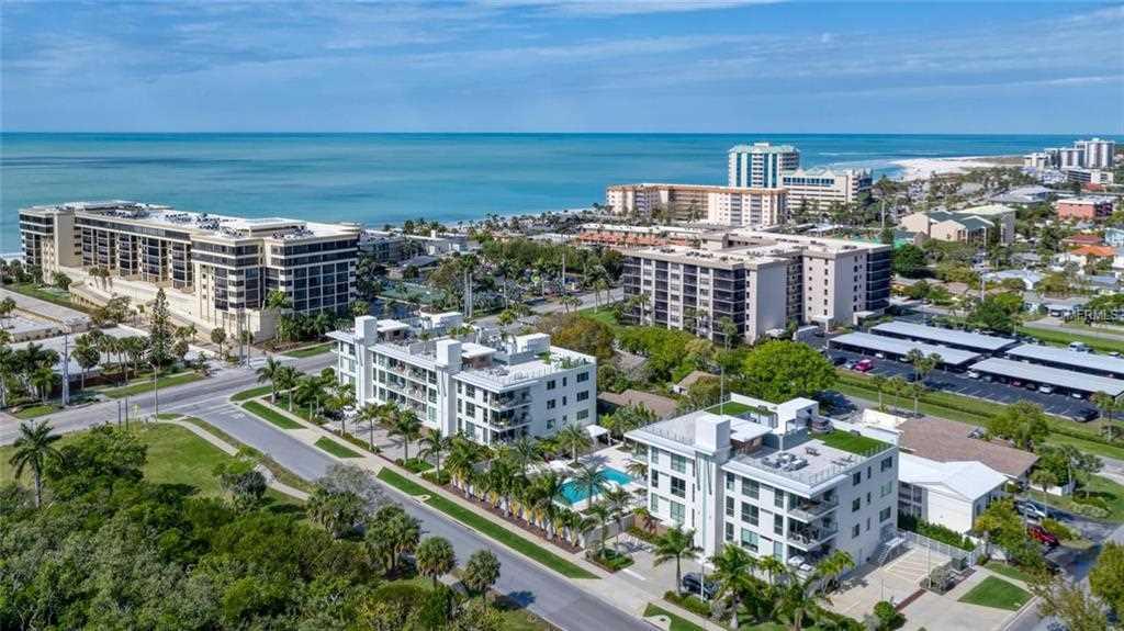 129 Taft Drive #W102 Sarasota, FL 34236   MLS A4428713 Photo 1