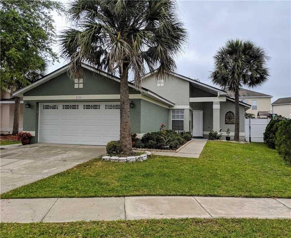 2102 Bridgeview Circle Orlando, FL 32824 | MLS O5768390 Photo 1