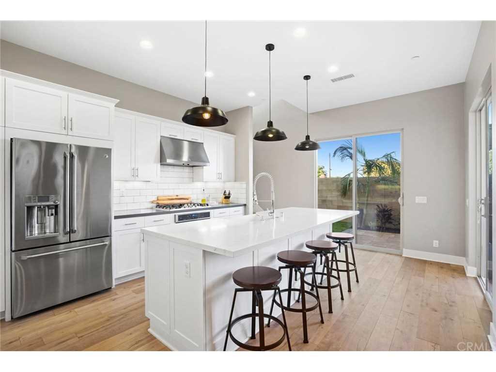 656 Breakaway Lane Costa Mesa, CA 92627 | MLS NP19056021 Photo 1