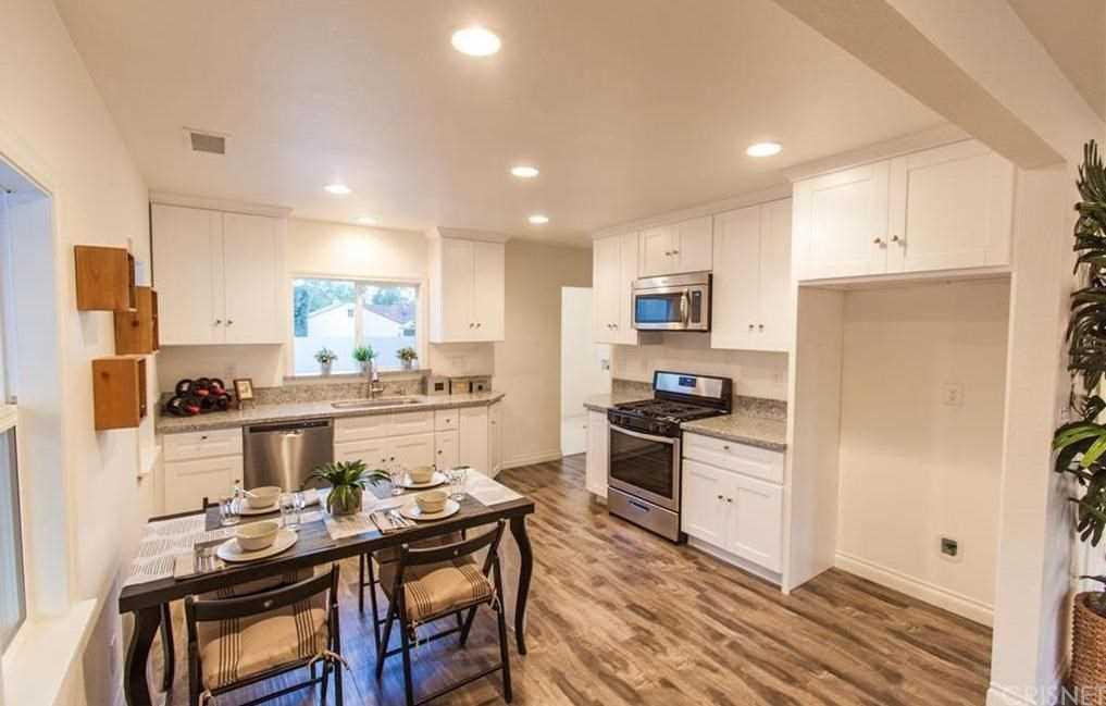 348 S Sparks Street, Burbank, CA 91506 | MLS #SR19057457  Photo 1