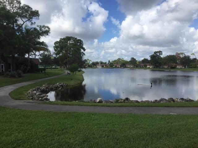 327 Cape Cod Circle #A Lake Worth, FL 33467 | MLS RX-10513125 Photo 1