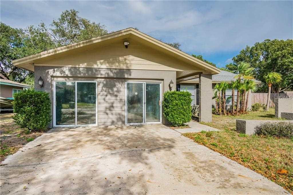 705 Regency Court Tampa, FL 33613 | MLS W7807928 Photo 1
