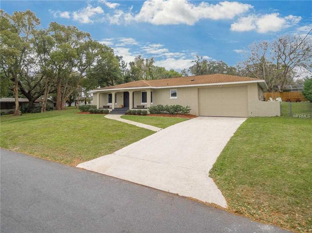 13237 Shore Drive Winter Garden, FL 34787 | MLS O5769286 Photo 1