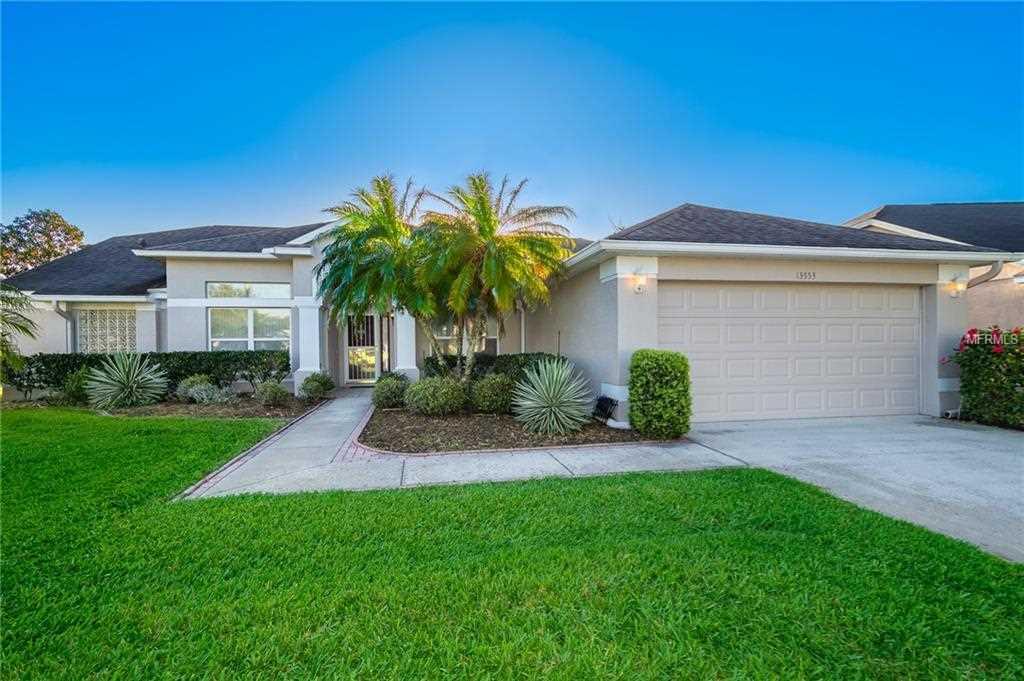 13553 Bluewater Circle Orlando, FL 32828 | MLS O5769759 Photo 1
