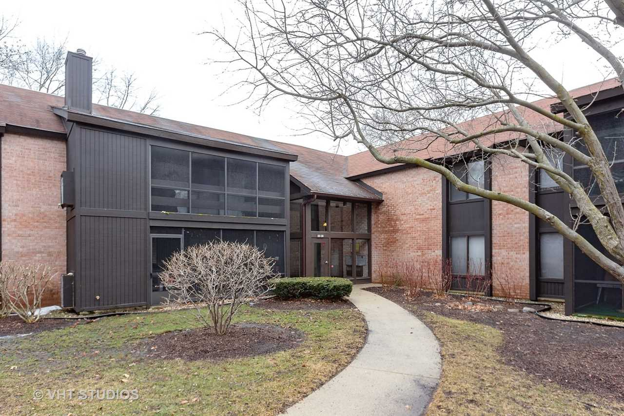 720 St Andrews Ln #26 Crystal Lake, IL 60014 | MLS 10305818 Photo 1