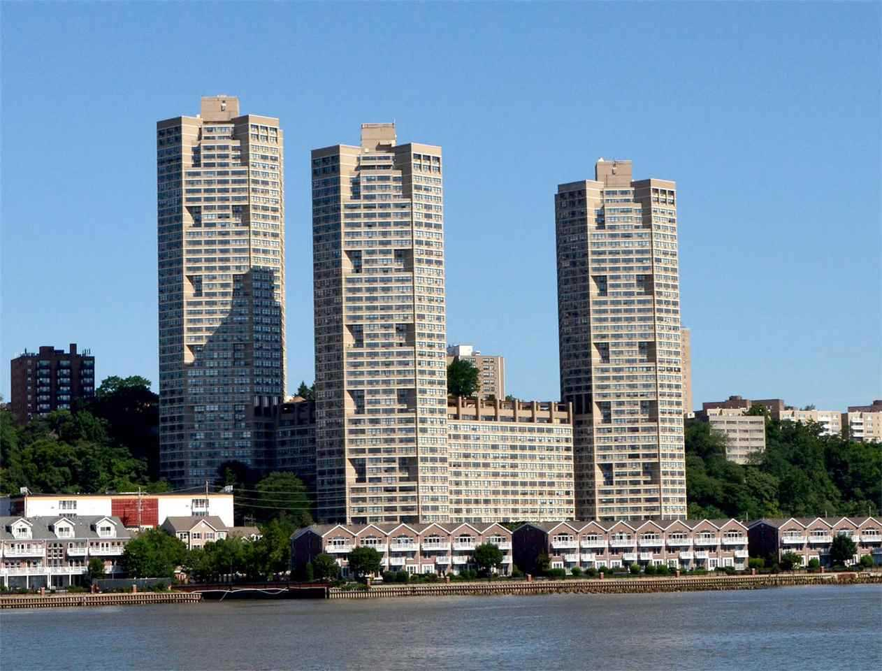 7004 Boulevard #3C Guttenberg, NJ 07093 | MLS 190005017 Photo 1