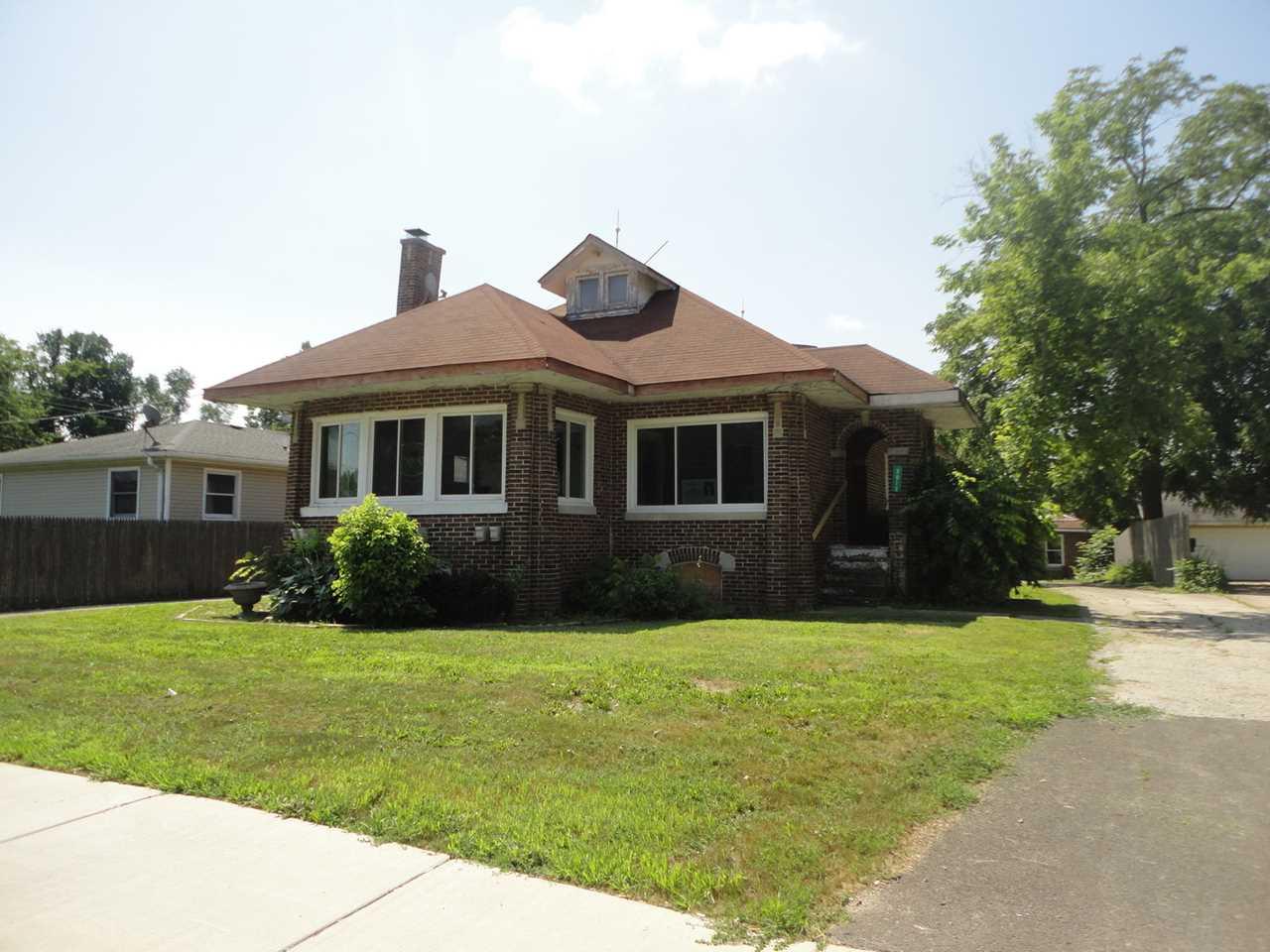 3913 Grand Ave Gurnee, IL 60031 | MLS 10099288 Photo 1