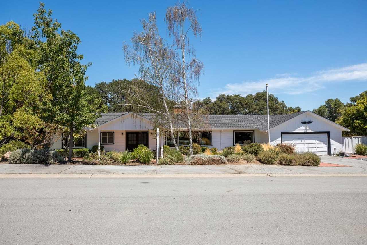 2328 Branner Dr Menlo Park, CA 94025 | MLS ML81716421 Photo 1