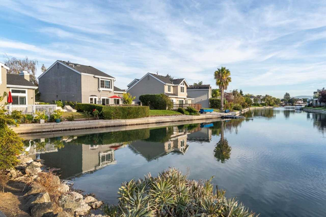 716 Newport Cir Redwood Shores, CA 94065 | MLS ML81729338 Photo 1