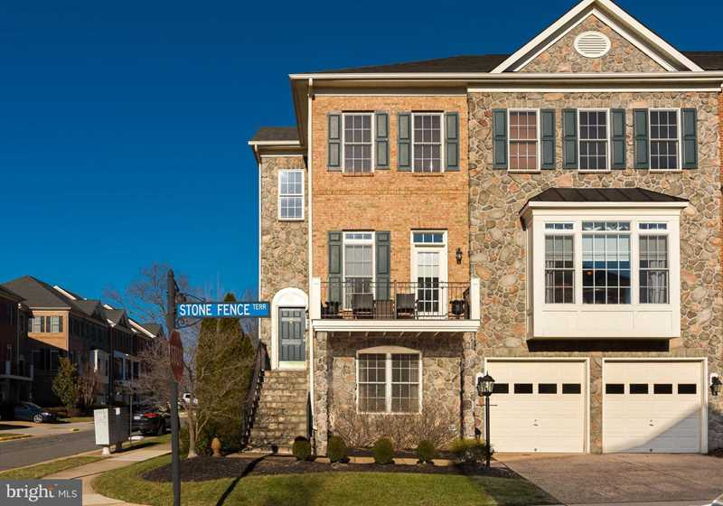 43720 Stone Fence Terrace For Sale in Leesburg Photo 1