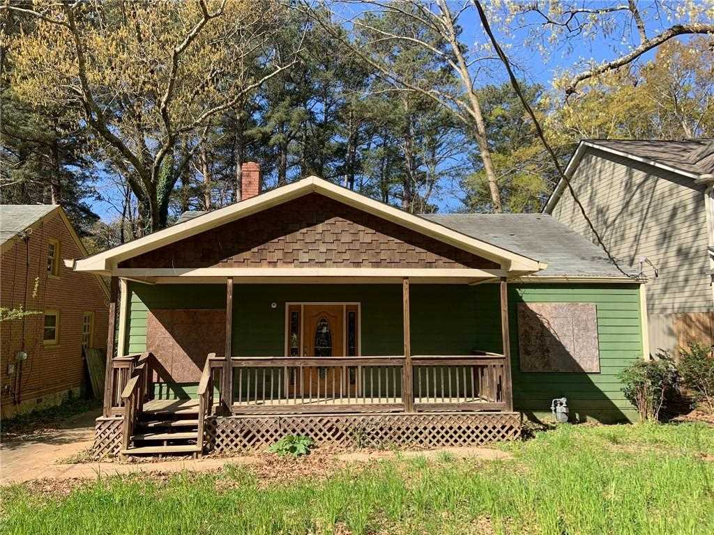 381 Hooper St SE is a homes for sale located in the East Lake community of Atlanta Photo 1
