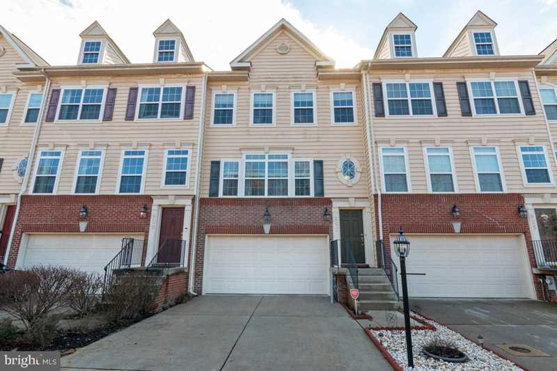 957 Indigo Bunting Ln Glen Burnie, MD 21060 | MLS ® MDAA373698 Photo 1