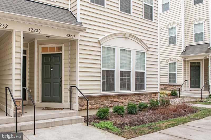 42278 San Juan Terrace Aldie, VA 20105 | MLS ® VALO294214 Photo 1