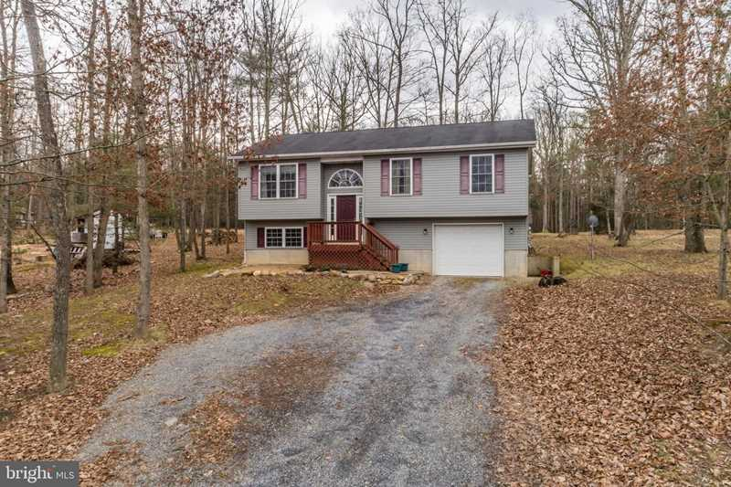 700 Warden Circle Rd Wardensville, WV 26851 | MLS ® WVHD104314 Photo 1