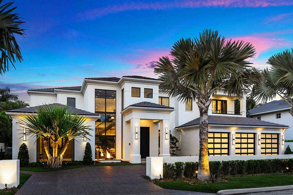 271 W Coconut Palm Road Boca Raton, FL 33432 - MLS# RX-10383155 | BocaRatonRealEstate.com Photo 1