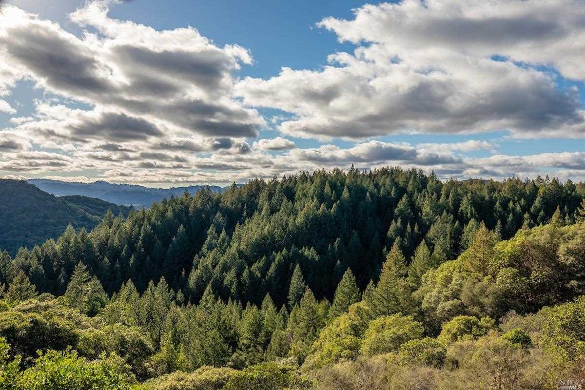 2020 Cherry Creek Road Cloverdale, CA 95425 | MLS 21902852 Photo 1