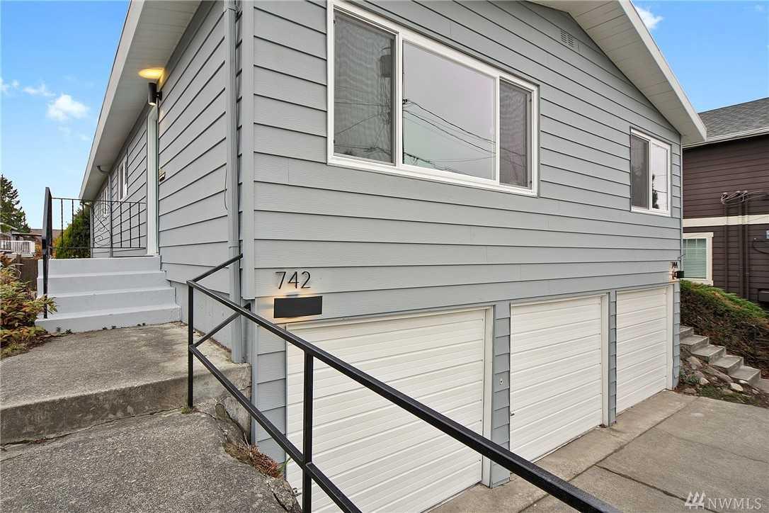 742 N 92nd St Seattle, WA 98103 | MLS ® 1401725 Photo 1