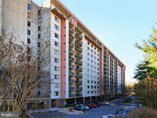 3800 Powell Ln #430 For Sale in Falls Church Photo 1