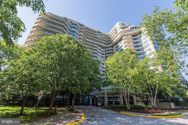 5610 Wisconsin Ave #1006 Chevy Chase, MD 20815 | MLS ® MDMC546504 Photo 1