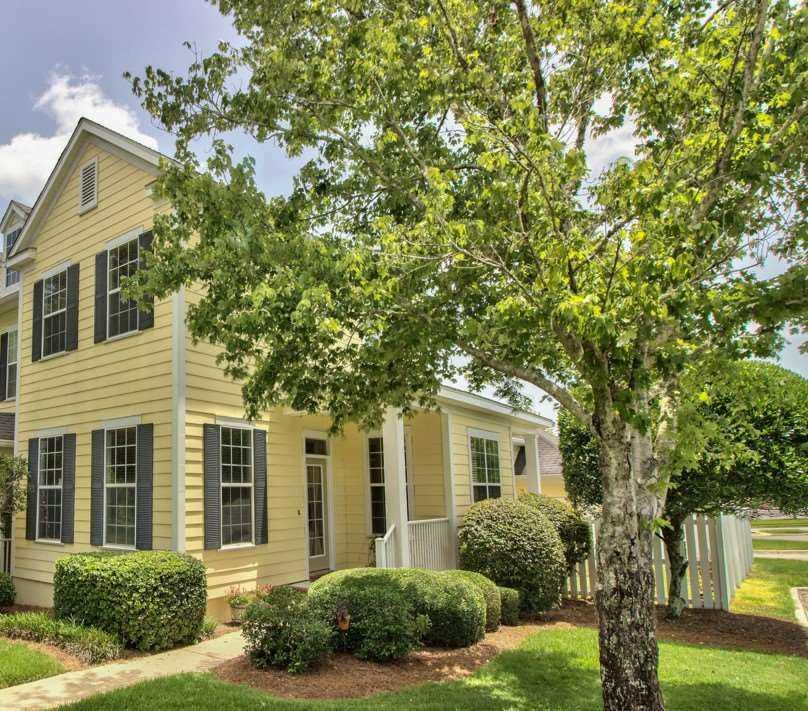 Arbor Oaks Florida: 3995 Four Oaks Boulevard Tallahassee, FL 32311 In Southwood