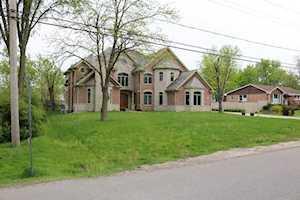2001 Oakwood Rd Northbrook, IL 60062