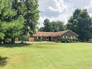 2309 Cannons Point Ln Mcdaniels, KY 40152