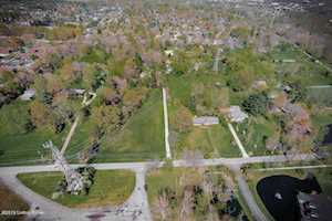 907 Ormsby Ln Louisville, KY 40242
