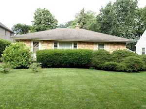 250 Middaugh Rd Clarendon Hills, IL 60514