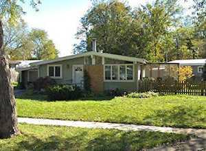 137 Meadowbrook Ln Wheeling, IL 60090