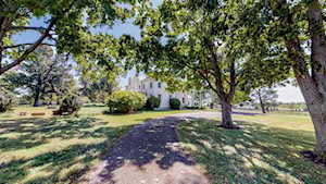 5508 Russell Cave Road Lexington, KY 40511