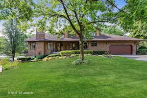 1039 Braemoor Dr #D Downers Grove, IL 60515