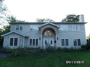 36 Chestnut Rd Northbrook, IL 60062