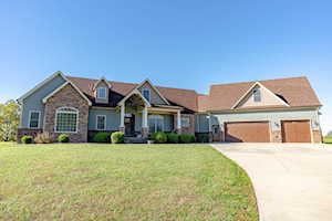 89 Indian Springs Trace Shelbyville, KY 40065