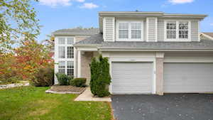 2390 Legends Ct Riverwoods, IL 60015