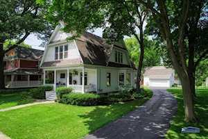 32 Oak Ave Grayslake, IL 60030