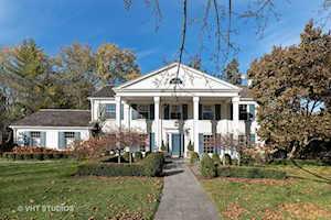 454 S Banbury Rd Arlington Heights, IL 60005