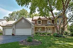 640 Silver Berry Dr Crystal Lake, IL 60014