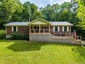 3253 Watts Ln SW Mauckport, IN 47142