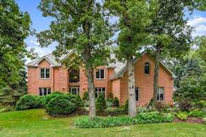 12 Middletree Ln Hawthorn Woods, IL 60047